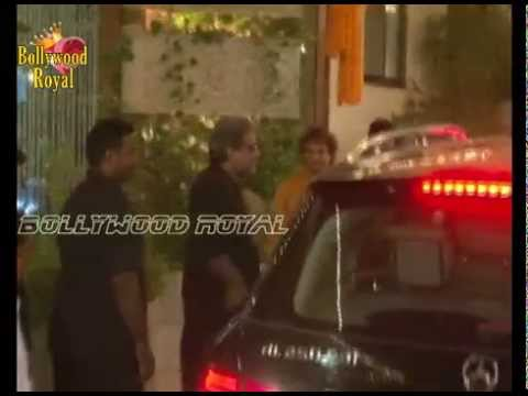 Amitabh Bachchan Celebrates Diwali 2014 with Friends Part 1