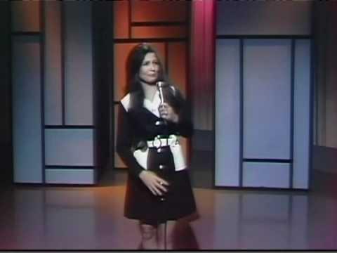 Loretta Lynn - Harper Valley Pta
