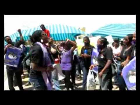 Studente maak stemme dik teen geweld