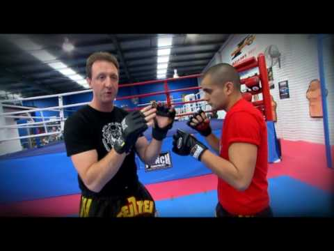 Muay thai elbow technique - Mark 'The Hammer' Castagnini Image 1