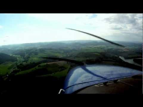 Cessna 172 Gusty Landing at Meschede-Schüren (EDKM) Video