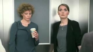 Knallerfrauen In Den Arm Genossen