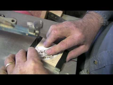 how to use a scroll saw to cut letters