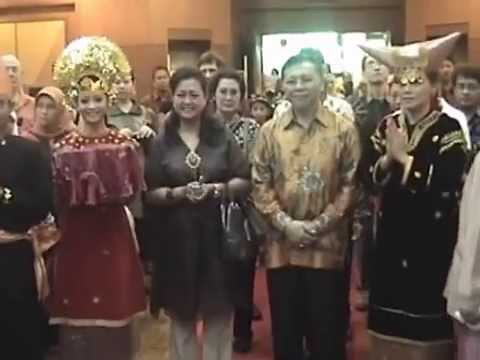 Indonesian Day Brunei Darussalam 2012, Tari Pasambahan video