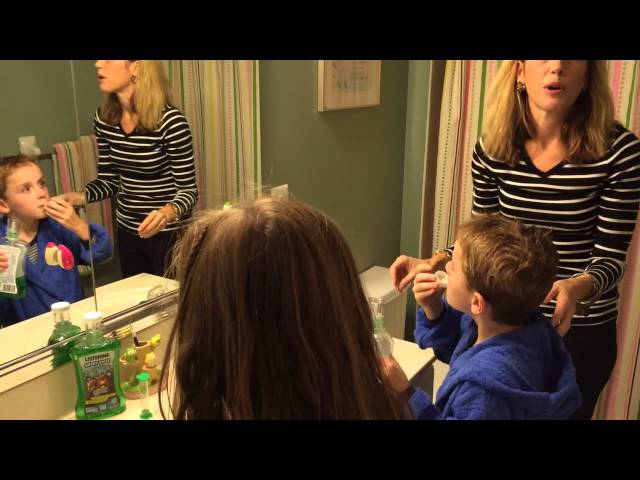 Kids Mouthwash routine LISTERINE® SMARTRINSE #besweetsmart