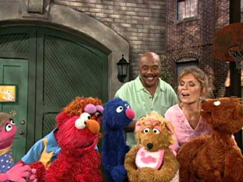 Sesame Street: Elmo's Potty Time - Clip