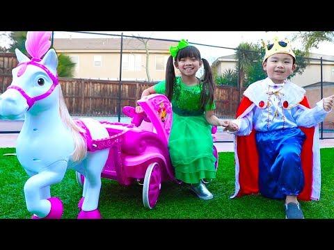 Emma & Lyndon Pretend Play w/ Children Princess Carriage Toy