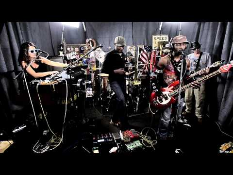 Yo Mama's Big Fat Booty Band nah Brah video