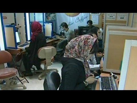 Iranian president urges internet acceptance