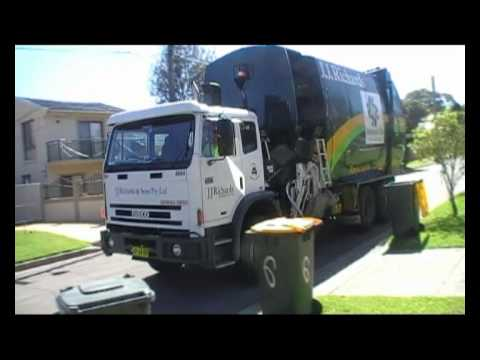 Back In Holroyd Pt 1 - The Massive Recycling Truck