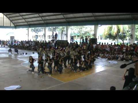 Party Rock on the Floor remix- Swagnificent Seniors(4th year...