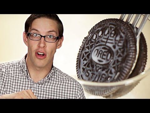 You're Dunking Oreos Wrong video