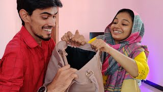 What is in PAMI's Hand Bag.. PRANKED PAMI AGAIN...😜
