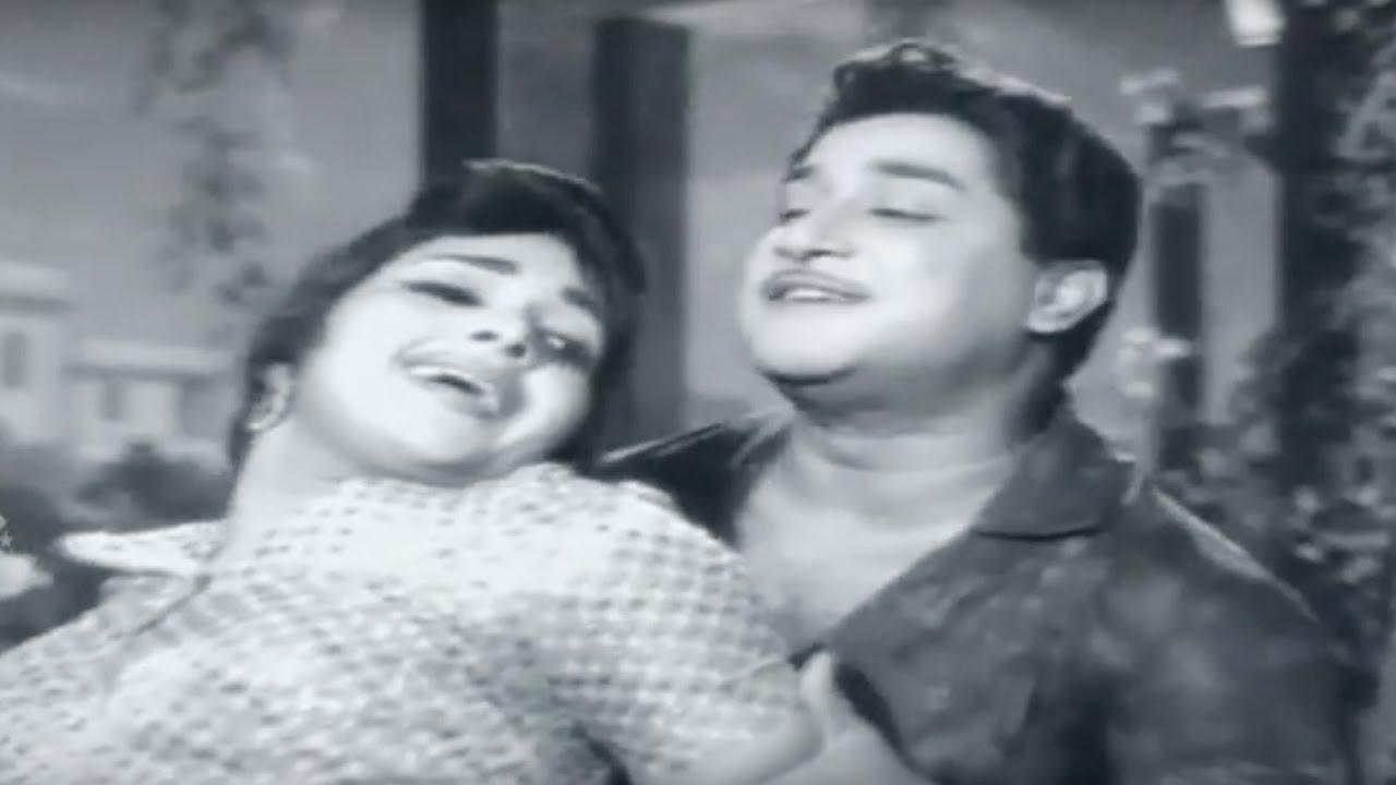 Neela Vanam   Tamil Full Movie   Shivaji Ganesan & Devika