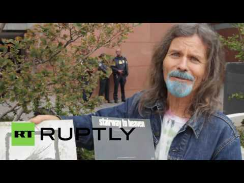 USA: Battle of the bands - 'Stairway to Heaven' plagiarism trial opens in LA