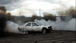 Mercedes-Benz 190D OM603 Diesel Smoke Epic Burnout