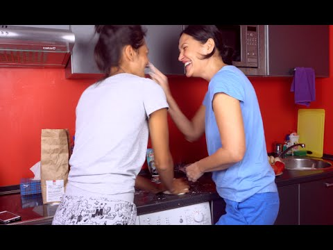 Готовим с мамой вкуснятину | Рецепт! или как я уронила пиццу)))