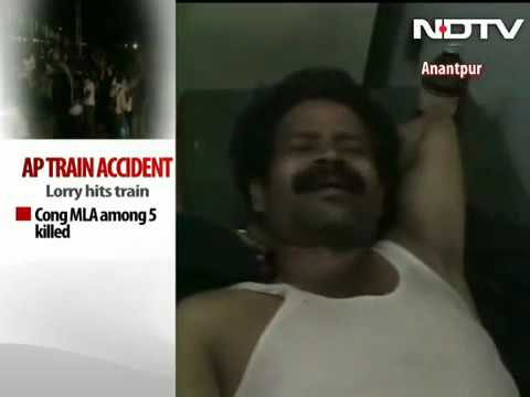 7637 Krieg NDTV Lorry collides with Bangalore Nanded Express, Congress lawmaker among 5 dead