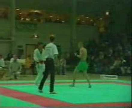Muay Thai vs Tae Kwon Do
