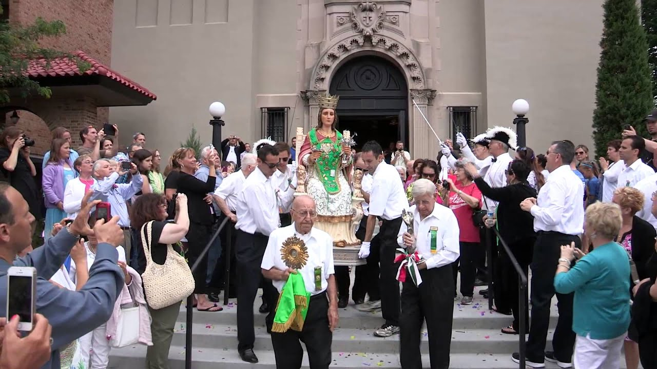 santa lucia festival 2014 st lucy comes out of the church youtube. Black Bedroom Furniture Sets. Home Design Ideas