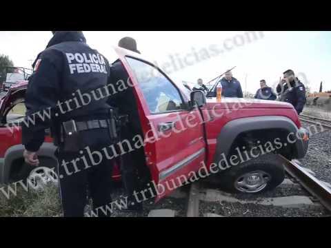 CAMION PIRATA PROVOCA VOLCADURA EN DELICIAS DEJA  3 HERIDOS