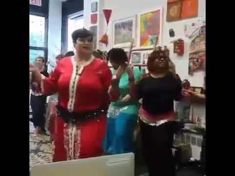 امريكيات كيتعلمو الرقص مغربي $20 الساعة thumbnail