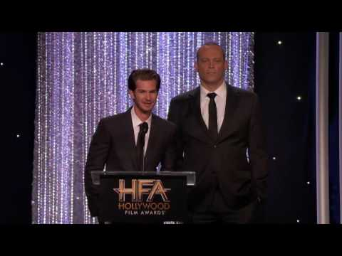 Andrew Garfield And Vince Vaughn Present The Director Award To Mel Gibson