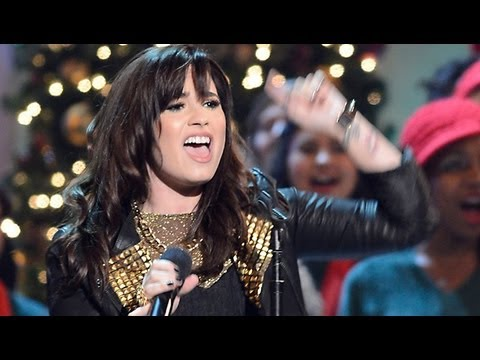 Demi Lovato Performs for President Obama for Christmas in Washington