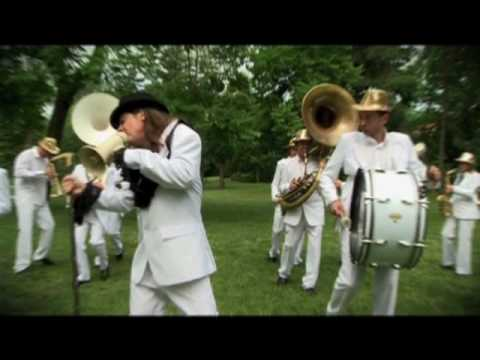 "MARDI BRASS BAND ""Funky Drummer"""