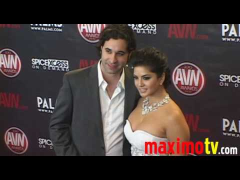 SUNNY LEONE Arriving at 2010 AVN AWARDS SHOW Las Vegas January 9 Video