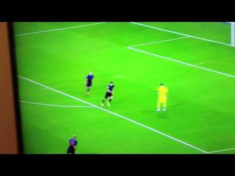 Robin Van Persie Goal - Iker Casillas HUGE Mistake Spain vs netherlands