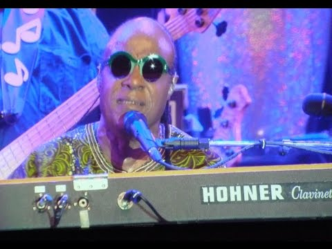 Stevie Wonder & Joss Stone - Living For The City - North Sea Jazz 2014 klip izle