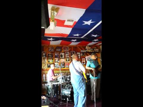 Austin Texas Longhorn bar Sun afternoon live music