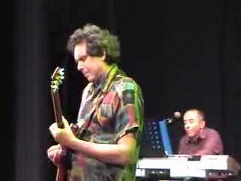 Great solo by John Etheridge (Billy Cobham dnv tour)