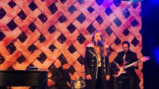 Sara Bareilles Performs 34 Winter Song 34 At Bloomingdales Holiday Window Unveiling