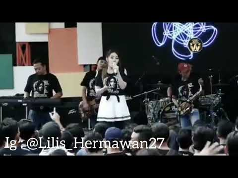 Download VIA VALLEN LIVE - SEWU KUTHO Mp4 baru
