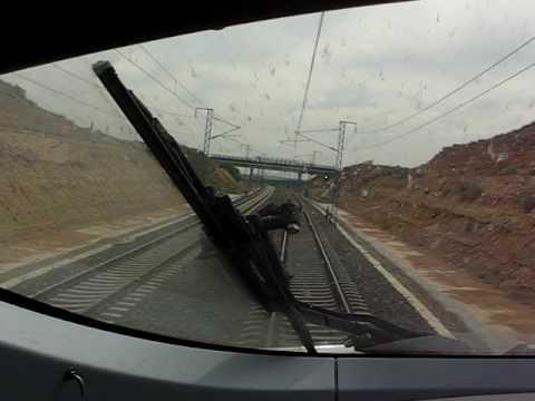 Video desde la cabina del Siemens S103 'Velaro' por la linea de alta velocidad Madrid-Barcelona-Francia a 300 km/h.