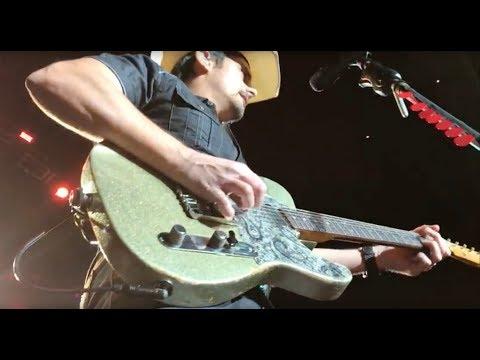 Brad Paisley Live  - Weekend Warrior World Tour 1-25-2018 -