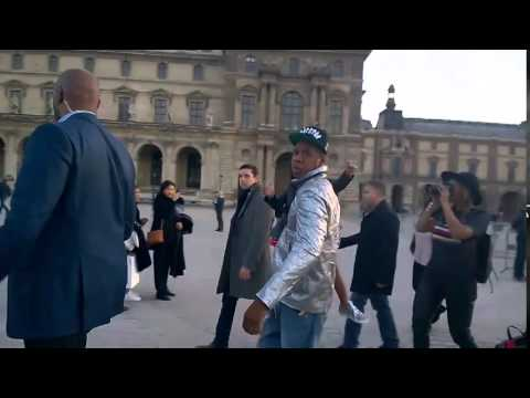 """Jay-Z's Big Headed Response After Being Spotted by A French Photographer Asking """"Who Is He"""" (Video)"""