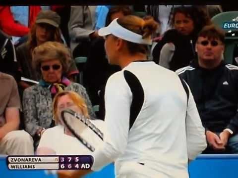 Tough fight - Serena Williams vs Vera Zvonareva Eastbourne 2011