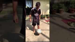 Semion timung simple football trick