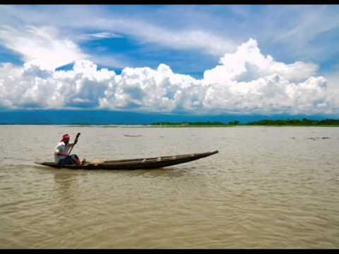Amolo Dhobolo Paale... Rabindra Sangeet By Swagatalakshmi Dasgupta video
