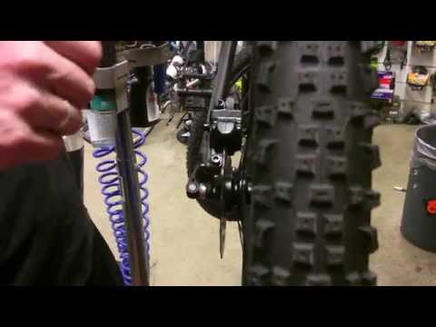 How to adjust hydraulic disc brakes (bicycles)