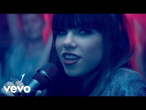 Carly Rae Jepsen - This Kiss video