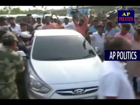 శివాజీకి చుక్కలు చూపించిన బీజేపీ కార్యకర్తలు   Gannavaram Airport   Andhra Pradesh AP Politics