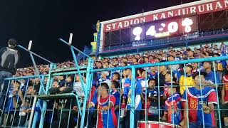 Gemuruh chant AREMANIA saat AREMA FC Vs BHAYANGKARA FC