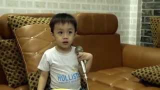 Em vẽ ông mặt trời - Bé Subin 3 tuổi thích hát Karaoke P1