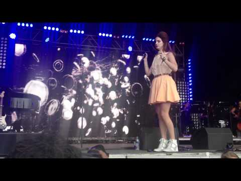 Lana Del Rey - Blue Jeans - LoveBox Festival 2012