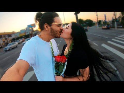 Fiz uma gentileza e ganhei um beijo! Vídeos de zueiras e brincadeiras: zuera, video clips, brincadeiras, pegadinhas, lançamentos, vídeos, sustos
