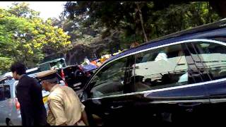 Salman khan arriving at chinnaswamy stadium,bangalore